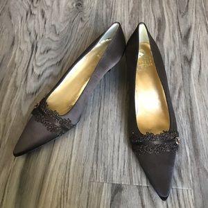 Stuart Weizmann leather kitten Heels pumps lace